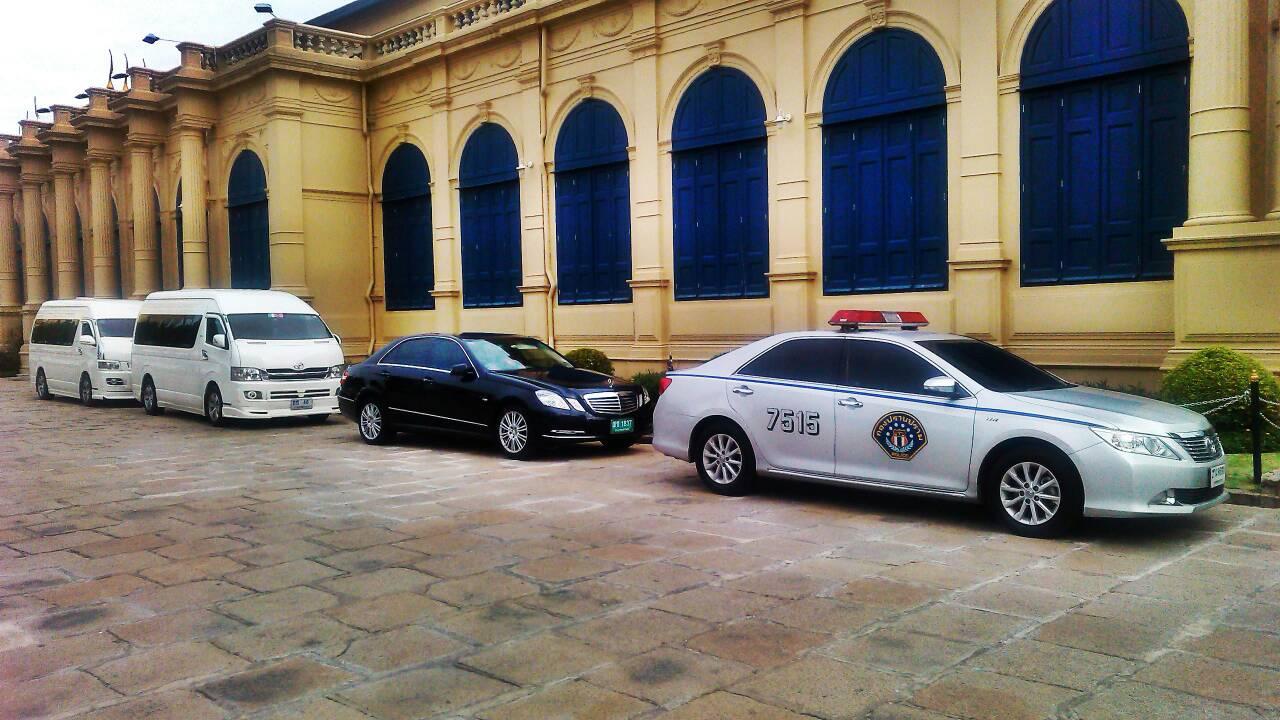 Diplomatic protocol limousine service